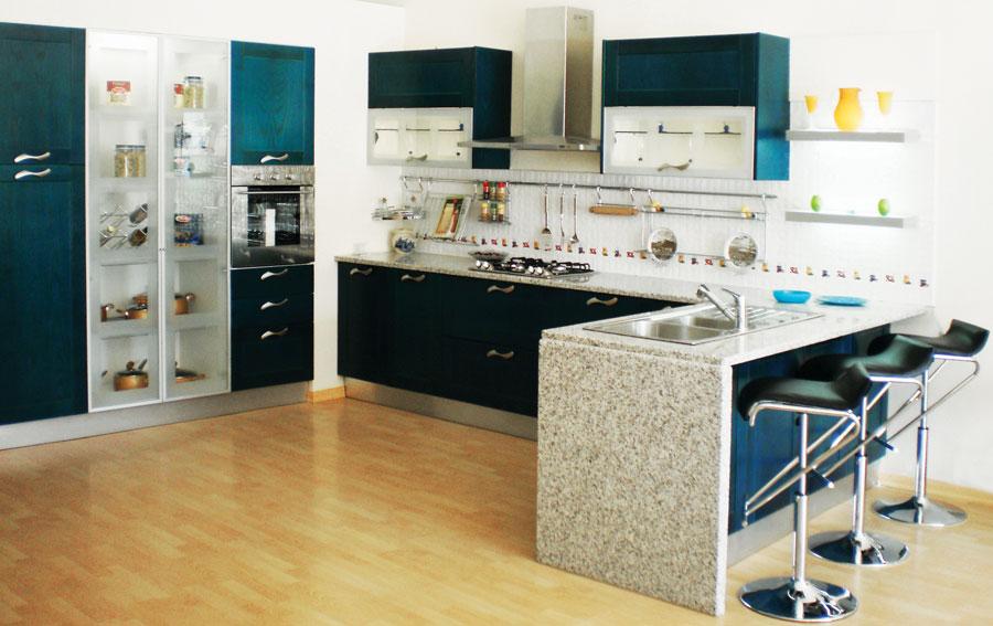 cuisine top cuisine fabrication montage et installation des cuisines des meubles de salle. Black Bedroom Furniture Sets. Home Design Ideas