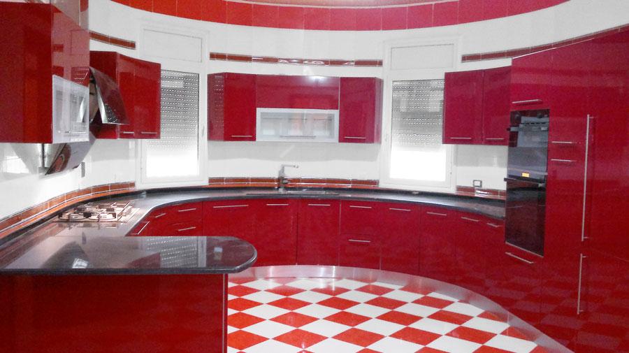 Top cuisine fabrication montage et installation des cuisines des meubles - Meuble rouge et blanc ...
