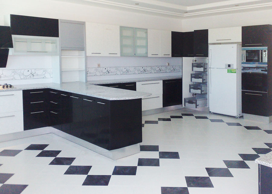 Top cuisine fabrication montage et installation des for Salle de bain equipee